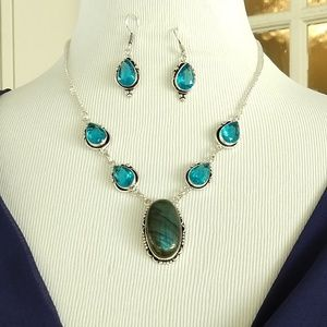 Jewelry - Labradorite blue topaz necklace and earrings set